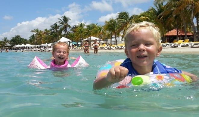 Zwemmen bij Mambo Beach Curacao