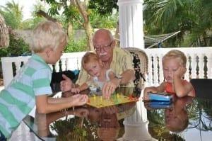 Opa verliest maar geniet