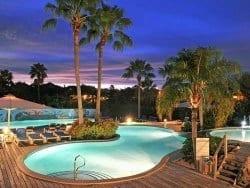 Chogogo Resort zwembad met cooltub om heerlijk af te koelen!