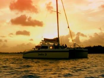 Catamaran zeilen op Curacao