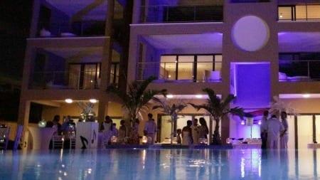 Beach House Curacao party night