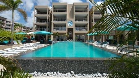 The Beach House Curacao heeft een schitterend zwermbad aan het strand