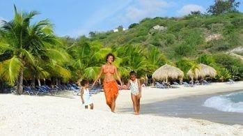 Blue Bay Curacao prive strand