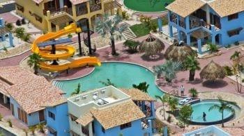 Kunuku Aqua Resort Curacao zwembad glijbanen