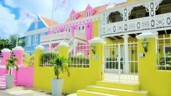 Scuba Lodge Pietermaai kleurrijk hotel