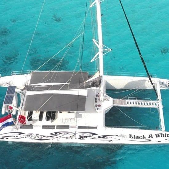 catamaran klein curacao black white