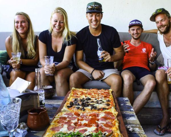 stage Curaçao pizza eten