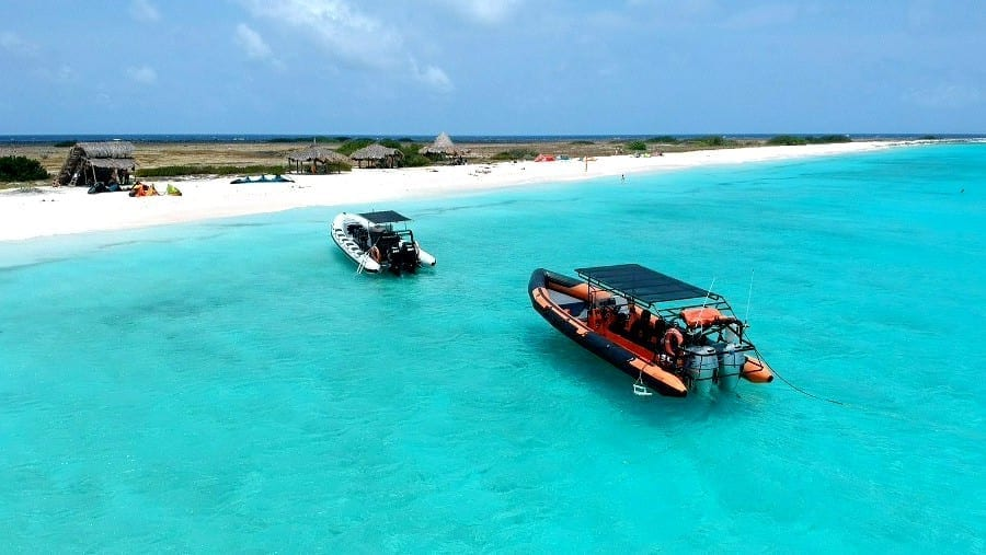 Powerboat: snel en naar Klein Curaçao en niet zeeziek