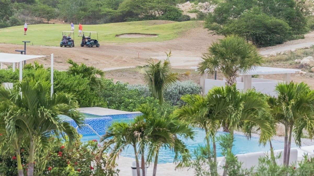 green view curacao golfbaan zwembad