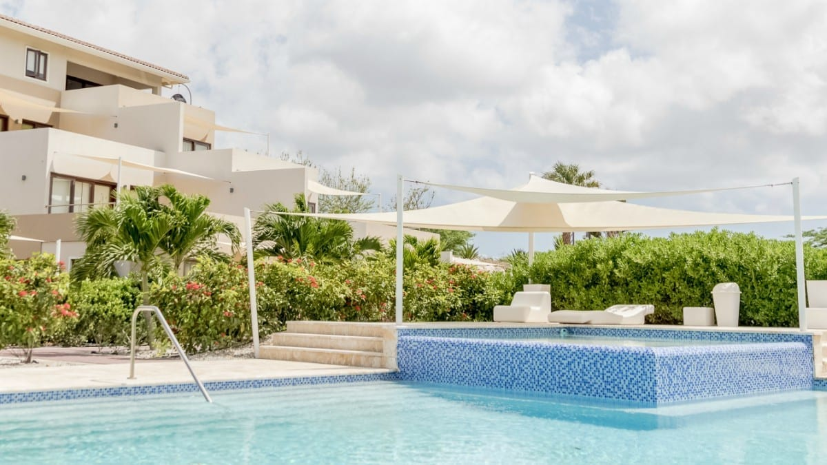green view curacao swimming pool