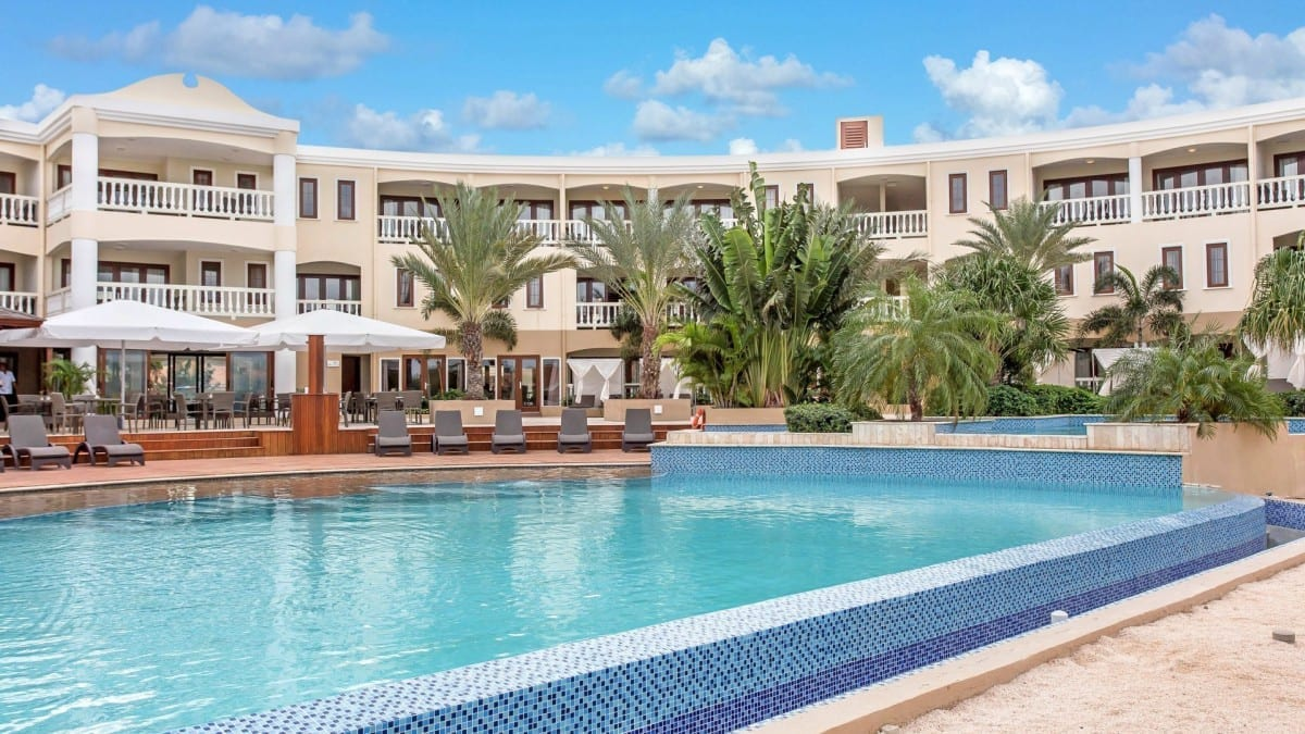 Acoya Curacao zwembad resort all-inclusive