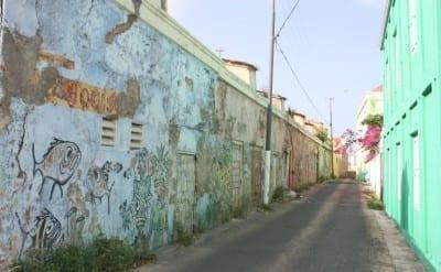 dushi walks stadswandeling curacao photowalk scharloo 3 400x247 1