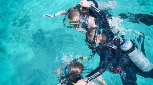 duiken curacao cursus blue bay 500x278 1