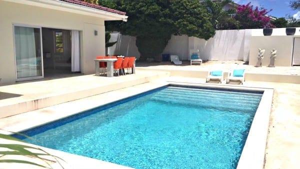 vakantievilla curacao eigen zwembad villa breeze 600x338 1