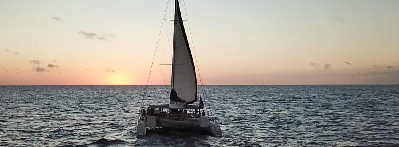 sunset sail curacao met catamaran
