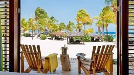 LionsDive Beach Resort Curaçao direct aan Mambo Beach
