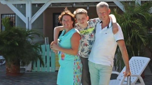 SBS Wij Emigreren Curaçao - Lianne & Rob