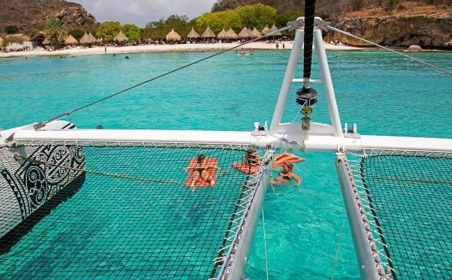 catamaran cas abou beach hopping 650x402 1