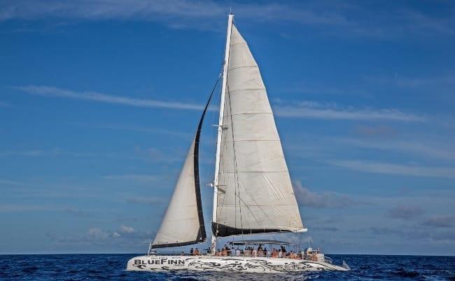 westkust beach hopping curacao catamaran