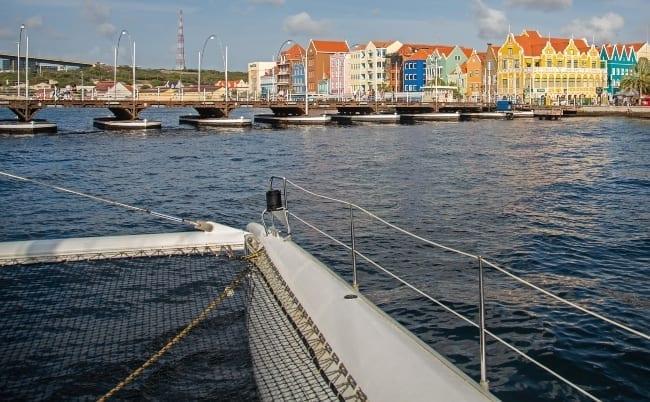 catamaran handelskade trip 650x402 1