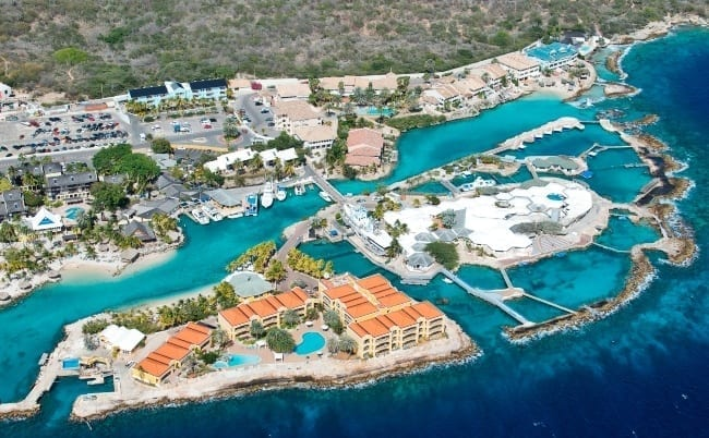 dolphin suites curacao luchtfoto 650x402 1