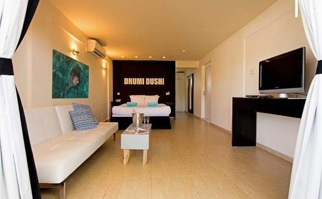 dolphin suites curacao standaard kamer 650x402 1