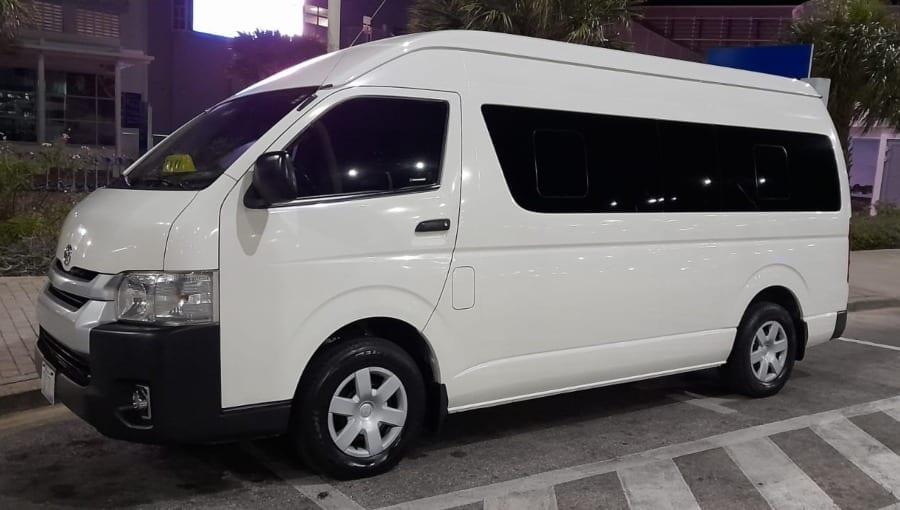 taxi curacao vliegveld Hato Airport transfer